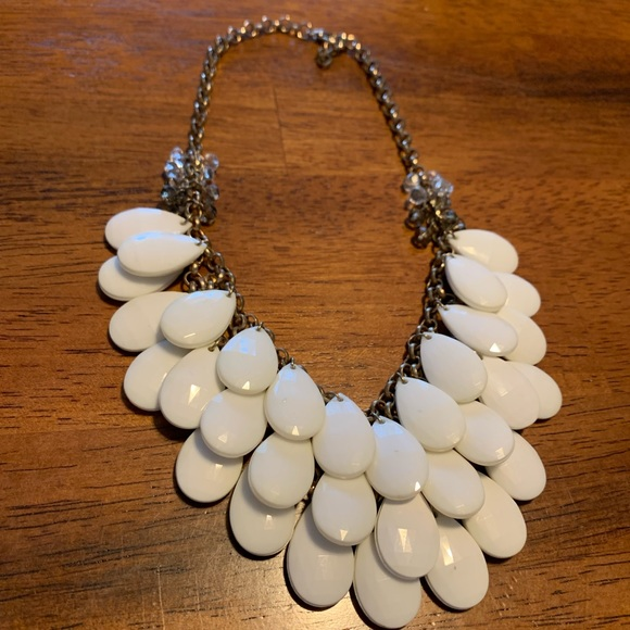 Francesca's Collections Jewelry - Francesca's White and Gold Statement Necklace